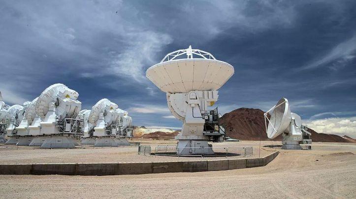 ALMA - ESO - Gros plan antennes - Alain Maury