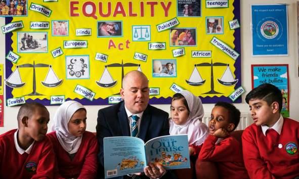 Birmingham school stops LGBT lessons