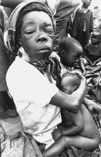 Génocide rwandais - mère et ses enfants